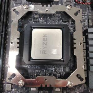 SST-AMDを取り付けた状態