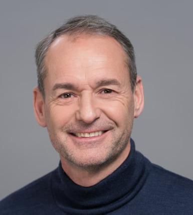 Intel - Maurits Tichelman氏