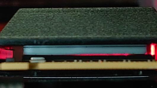 WD_BLACK SN850 NVMe SSDヒートシンク付きモデル - サーマルパッドが浮いている
